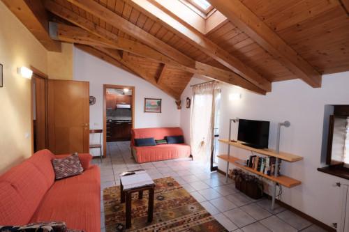 Appartamento Trilocale in Vendita a Lonate Ceppino