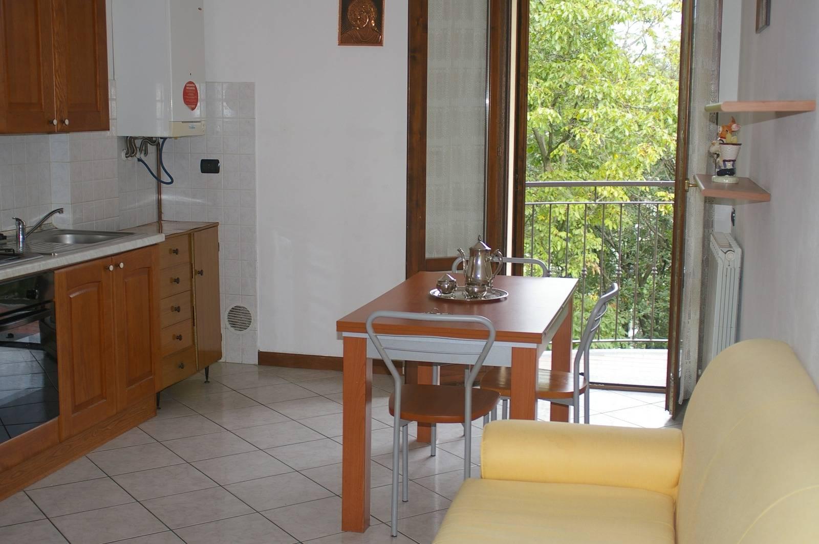 Appartamento in affitto a Calco, 2 locali, prezzo € 85.000 | CambioCasa.it