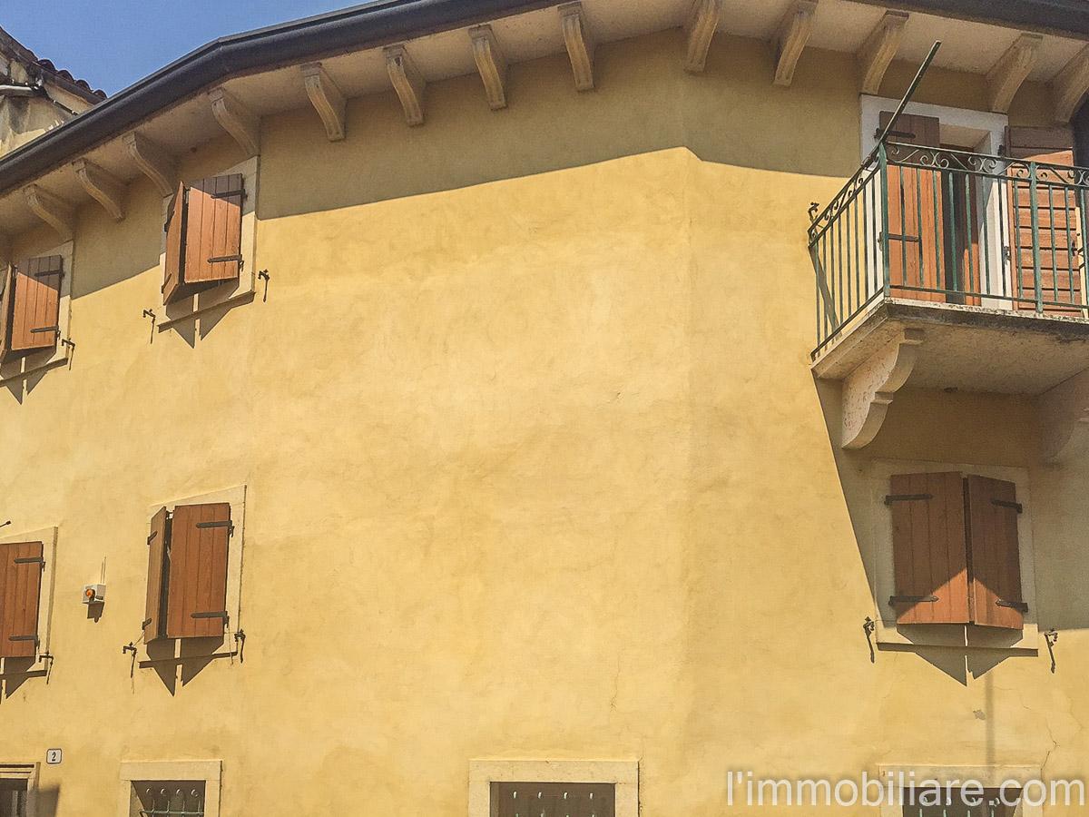 Soluzione Indipendente a Verona in Affitto