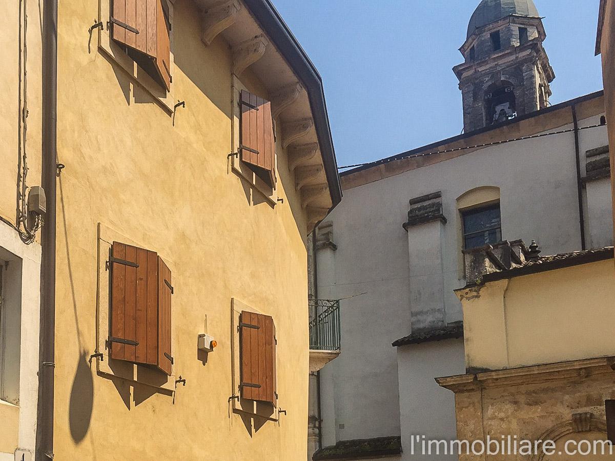 A Verona Soluzione Indipendente  in Affitto