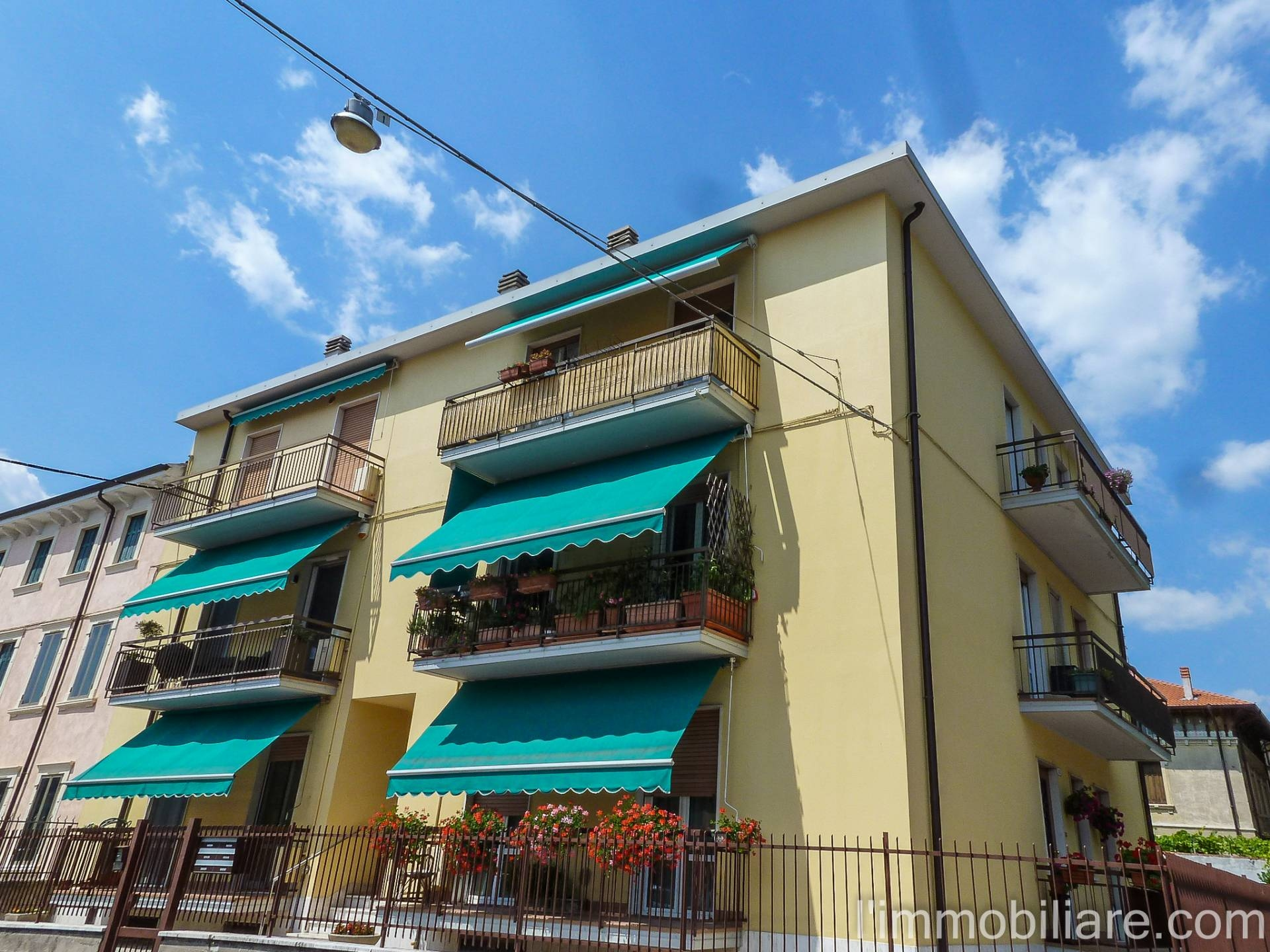 Appartamento in affitto a Verona, 4 locali, zona Zona: 5 . Quinzano - Pindemonte - Ponte Crencano - Valdonega - Avesa , prezzo € 650   CambioCasa.it