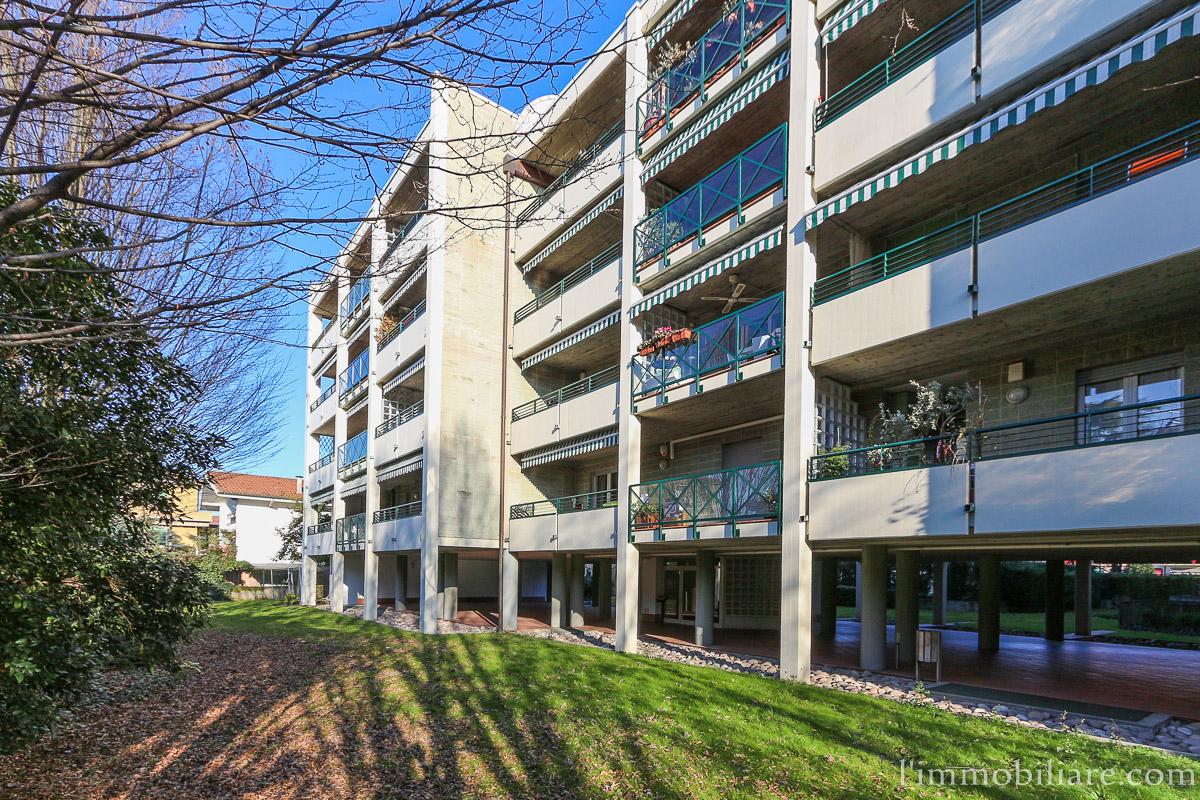 Appartamento in affitto a Verona, 5 locali, zona Località: PonteCrencano, prezzo € 1.100   CambioCasa.it
