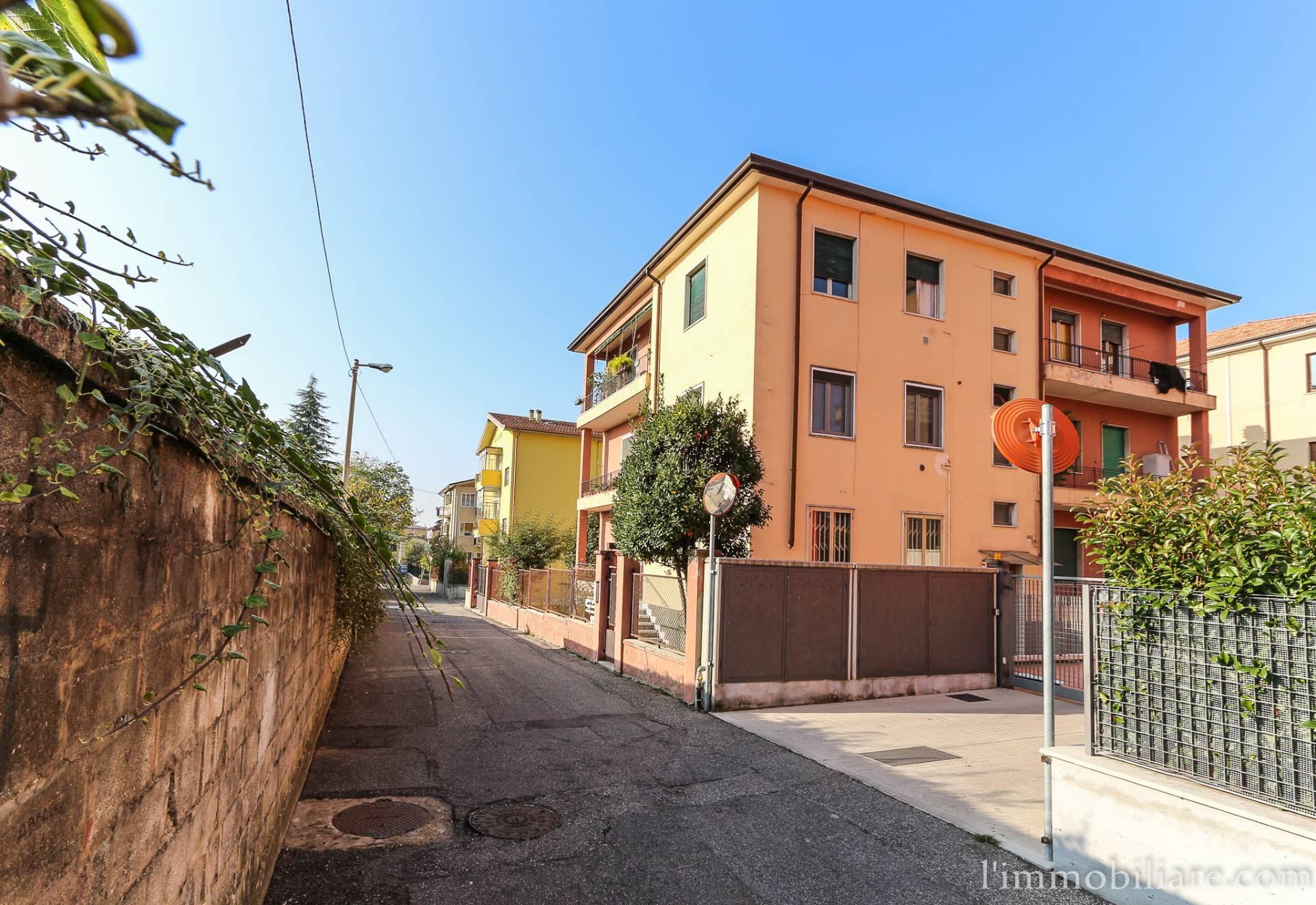 Appartamento, 102 Mq, Vendita - Verona (Verona)