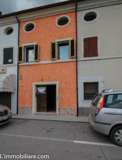 Vai alla scheda: Villa a schiera Vendita - Trevenzuolo (VR) - Codice -12