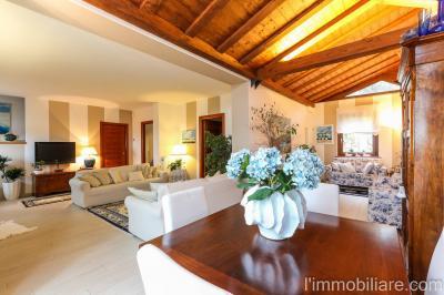 Vai alla scheda: Villa a schiera Vendita - Negrar (VR) | Montecchio - Codice -GF136-