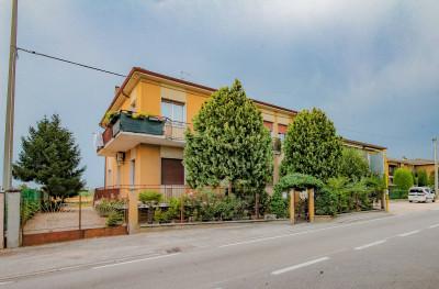 Vai alla scheda: Casa indipendente Vendita - Castel d'Azzano (VR) | Beccacivetta - Codice -8.