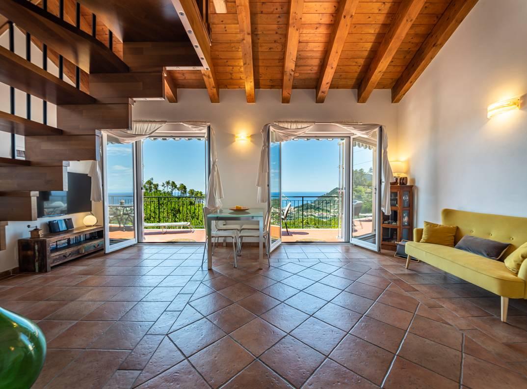 Appartamento in vendita a Casarza Ligure, 5 locali, prezzo € 420.000 | CambioCasa.it