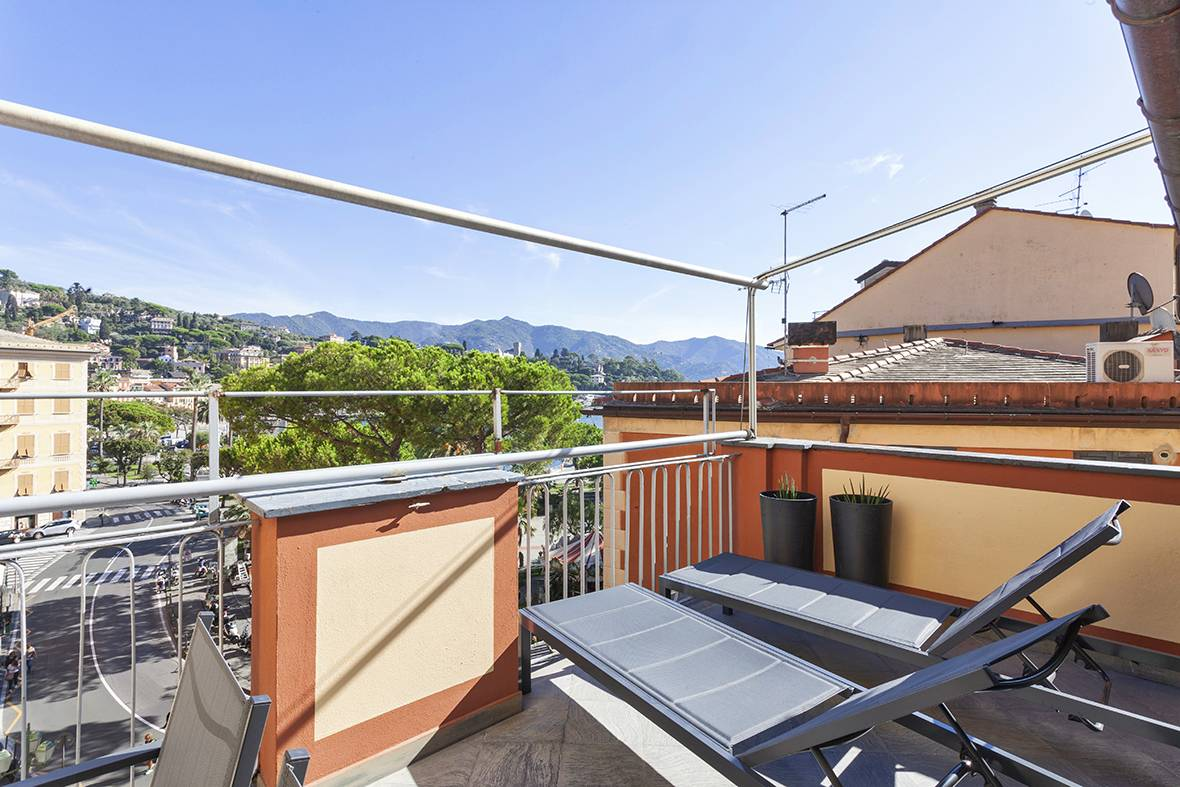 Appartamento in affitto a Santa Margherita Ligure, 3 locali, prezzo € 2.200   CambioCasa.it