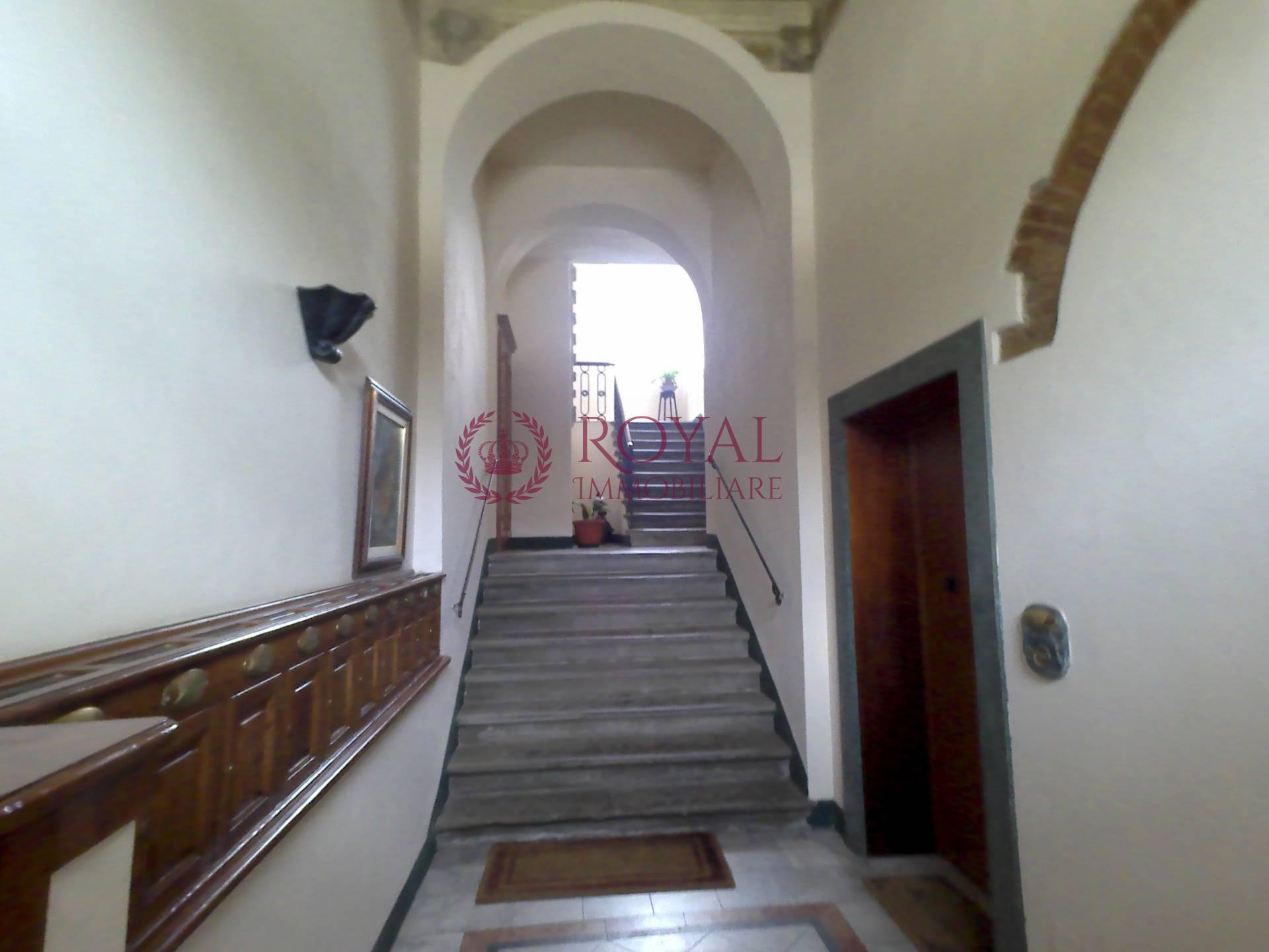 vendita appartamento livorno lungomare  450000 euro  7 locali  195 mq