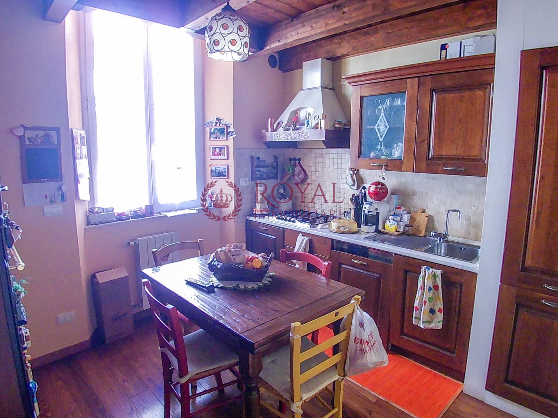 vendita appartamento livorno pontino  112000 euro  3 locali  60 mq