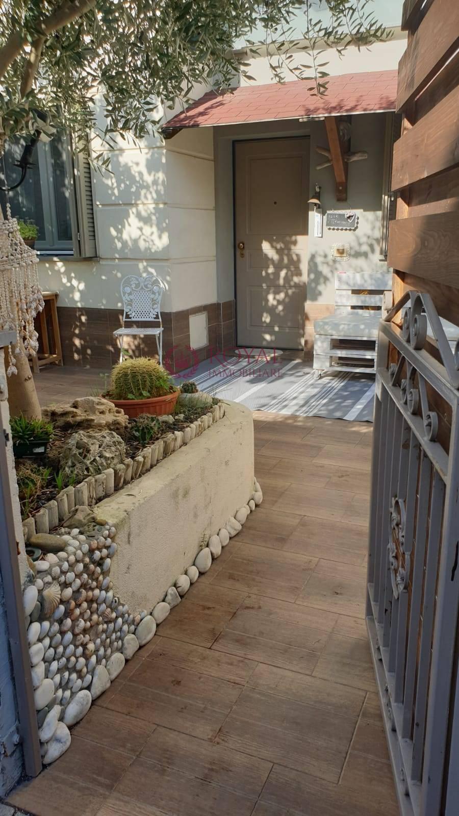 livorno vendita quart: borgo di magrignano royal immobiliare professional s.a.s.