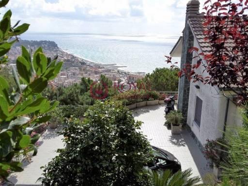 Villa in vendita a Albissola Marina, 4 locali, prezzo € 550.000   PortaleAgenzieImmobiliari.it