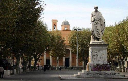 Fondo in Vendita a Livorno