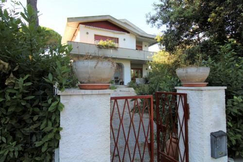 Villa in Vendita a Rosignano Marittimo