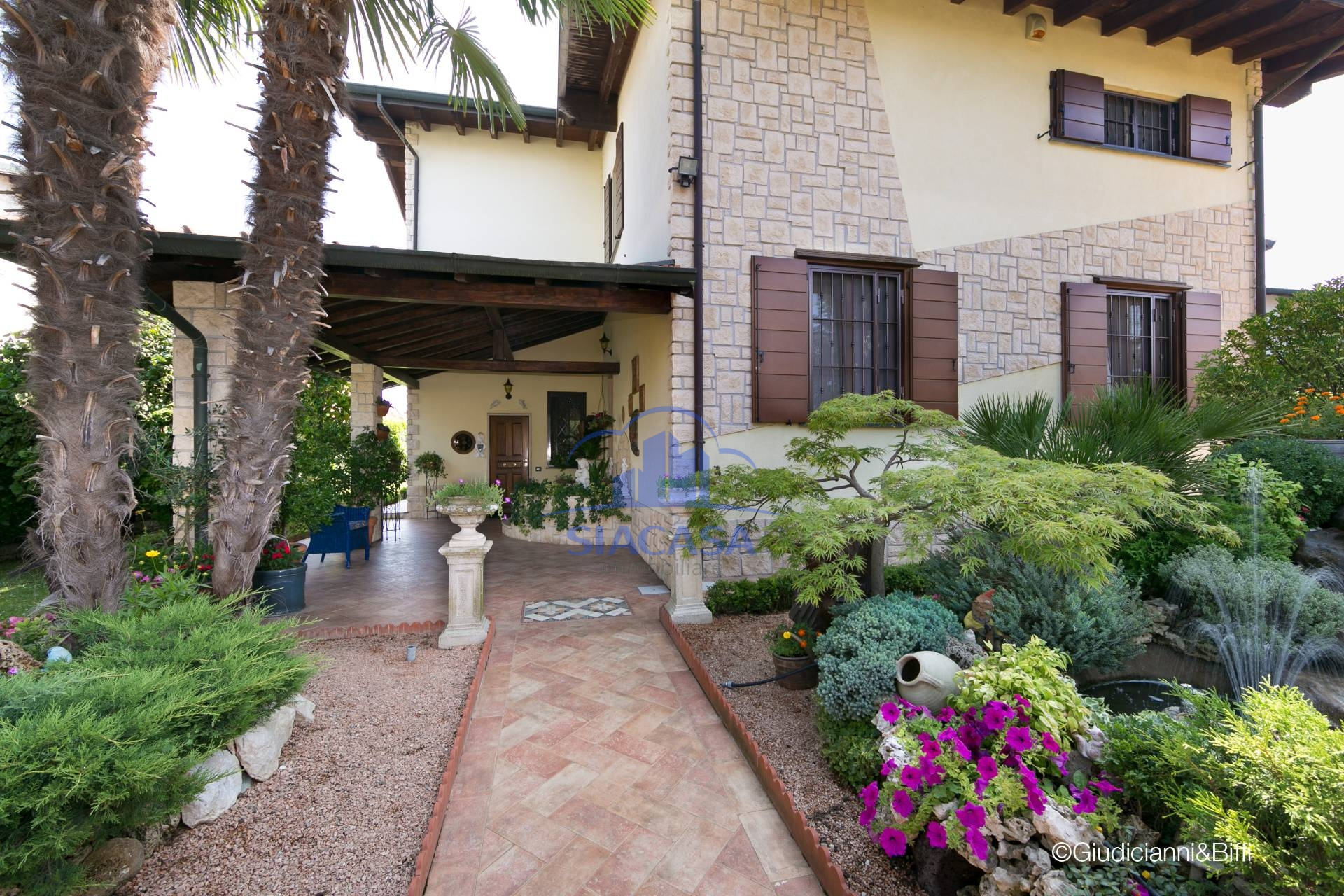 Villa in vendita a Settala, 5 locali, zona ppio, prezzo € 570.000 | PortaleAgenzieImmobiliari.it