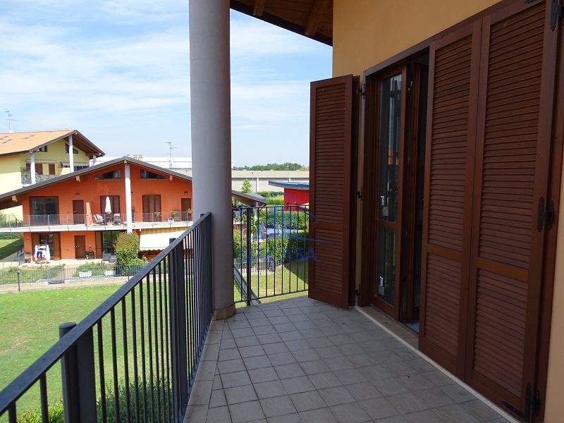 Appartamento in vendita a Cornate d'Adda, 3 locali, prezzo € 137.000 | PortaleAgenzieImmobiliari.it