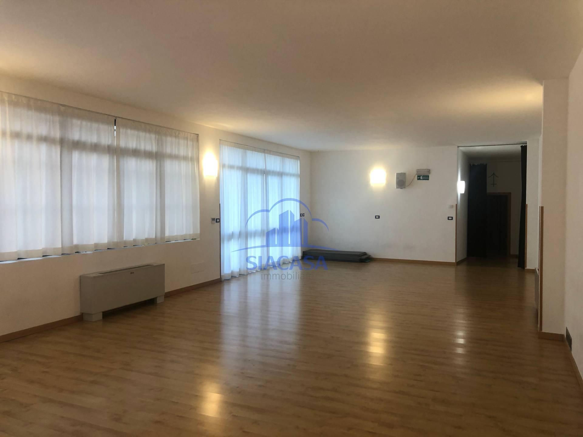 Agenzie Immobiliari Cologno Monzese capannoni in affitto a cologno monzese cod. cap.cologno-ts1150a