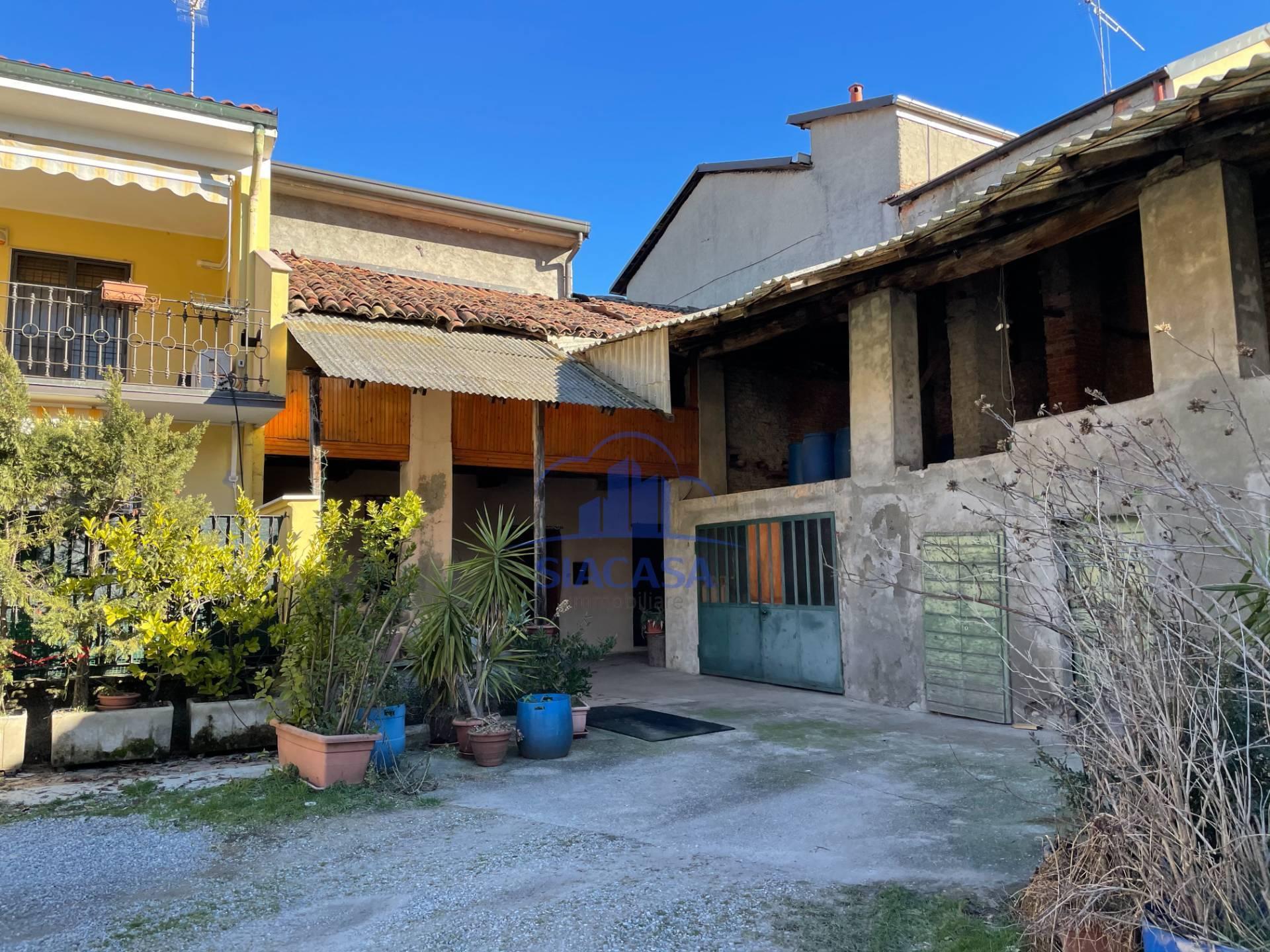 Appartamento in vendita a Grezzago, 5 locali, prezzo € 130.000   PortaleAgenzieImmobiliari.it