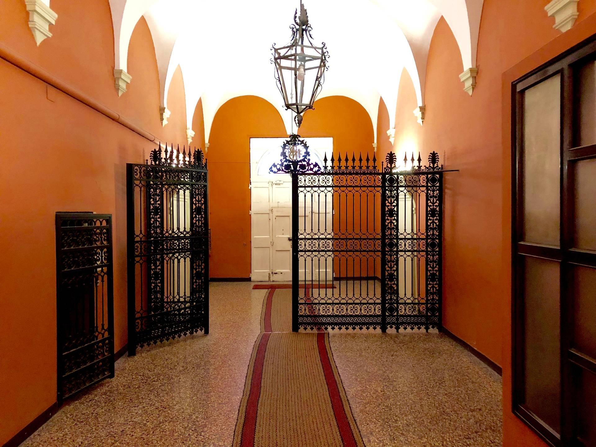 vendita appartamento bologna centro storico  460000 euro  6 locali  155 mq