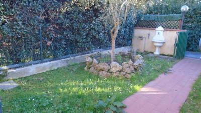 Villette a schiera in Vendita a Montignoso