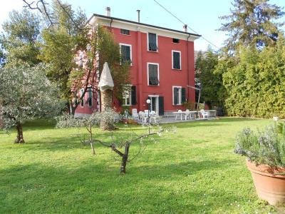 Villa singola in Vendita a Carrara
