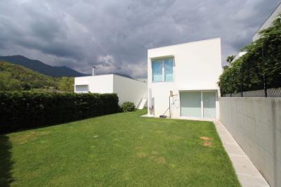Haus / Villa zu Verkaufen in Origlio