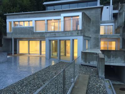 Villa in Vendita a Vernate