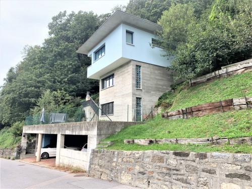 Villa in Vendita a Bidogno