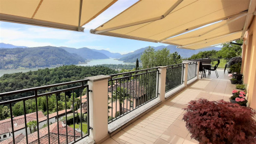 Attic / Penthouse for Sale in Vernate