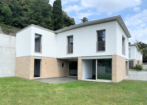 Villa in Vendita a Collina d'Oro