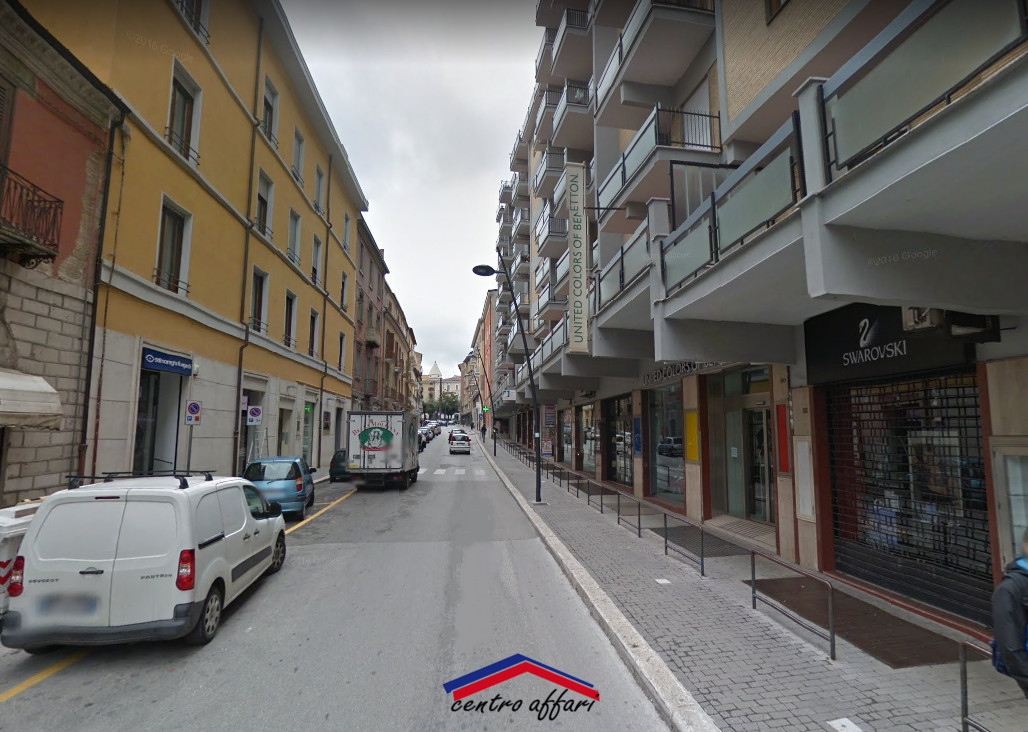 Locale commerciale in affitto a campobasso cod l247 for Affitto commerciale