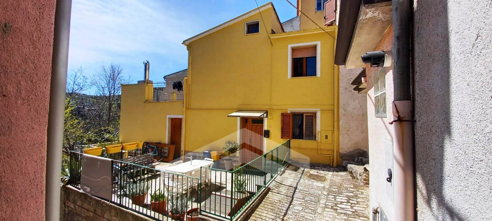 Casa indipendente in vendita a Mirabello Sannitico (CB)
