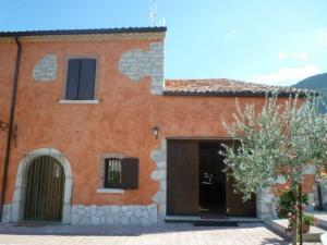 Villa in Vendita a Campochiaro