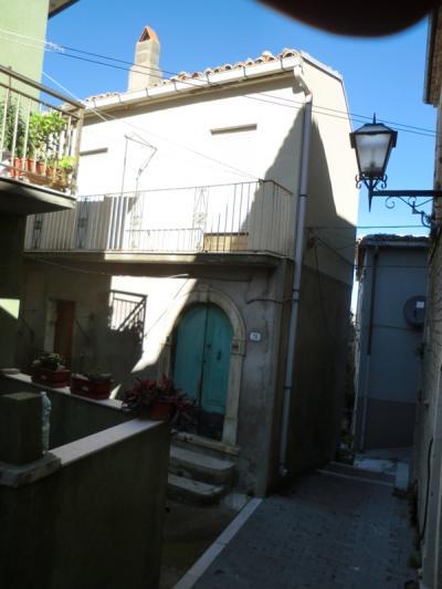 Appartamento in Vendita a Acquaviva Collecroce