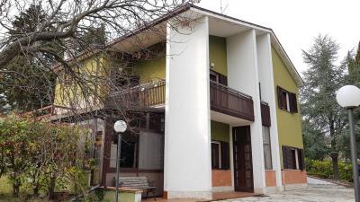 Villa in Vendita a Ripalimosani