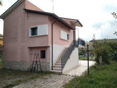 Villa singola in Vendita a Vinchiaturo