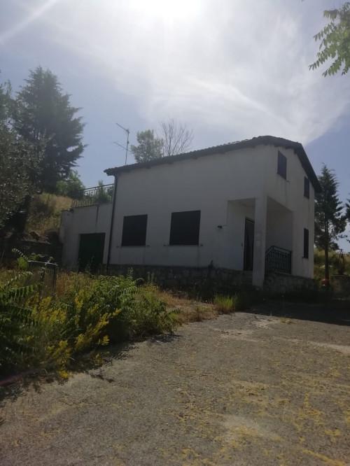 Villa singola in Vendita a Castropignano