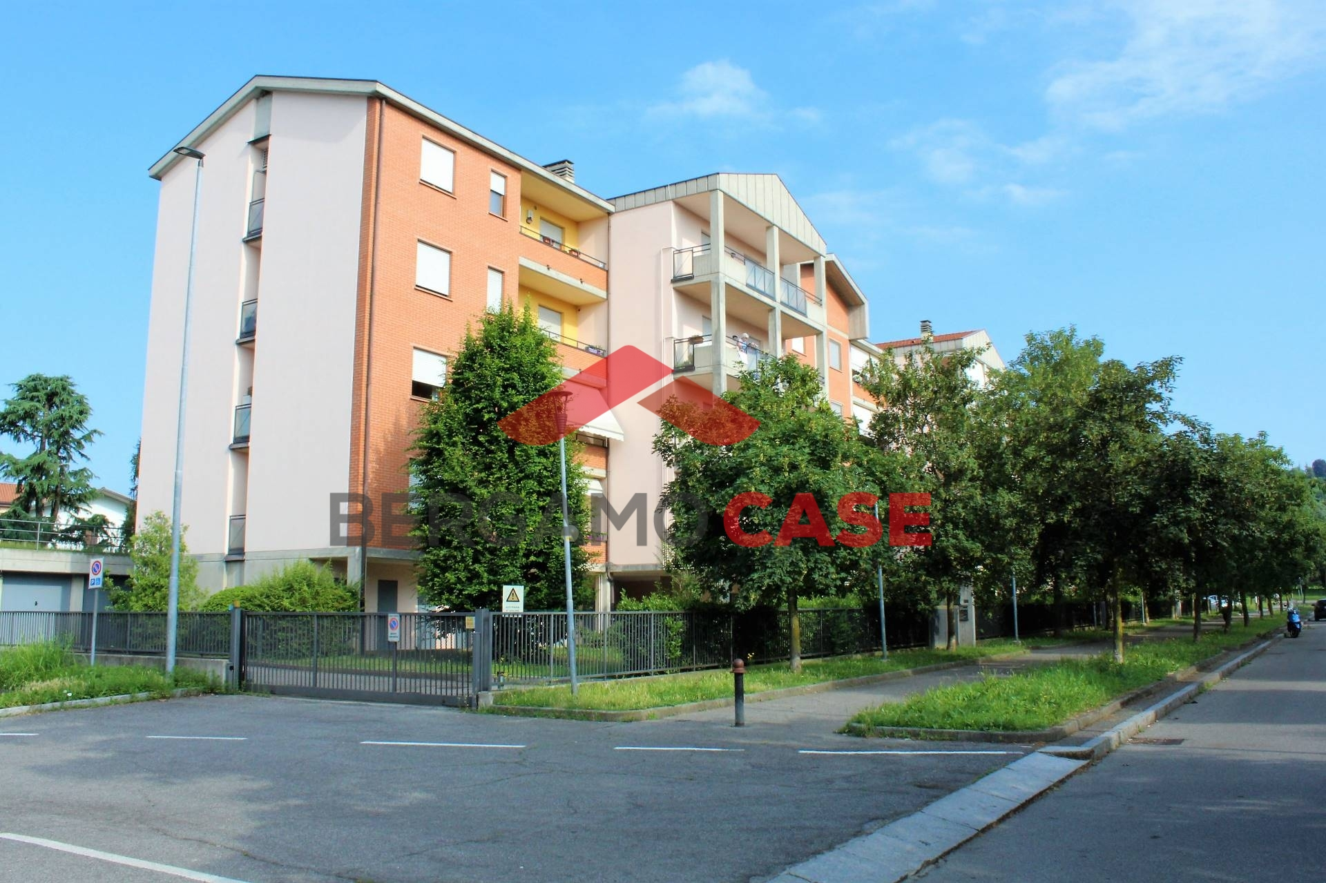 vendita appartamento bergamo longuelo  159000 euro  3 locali  90 mq