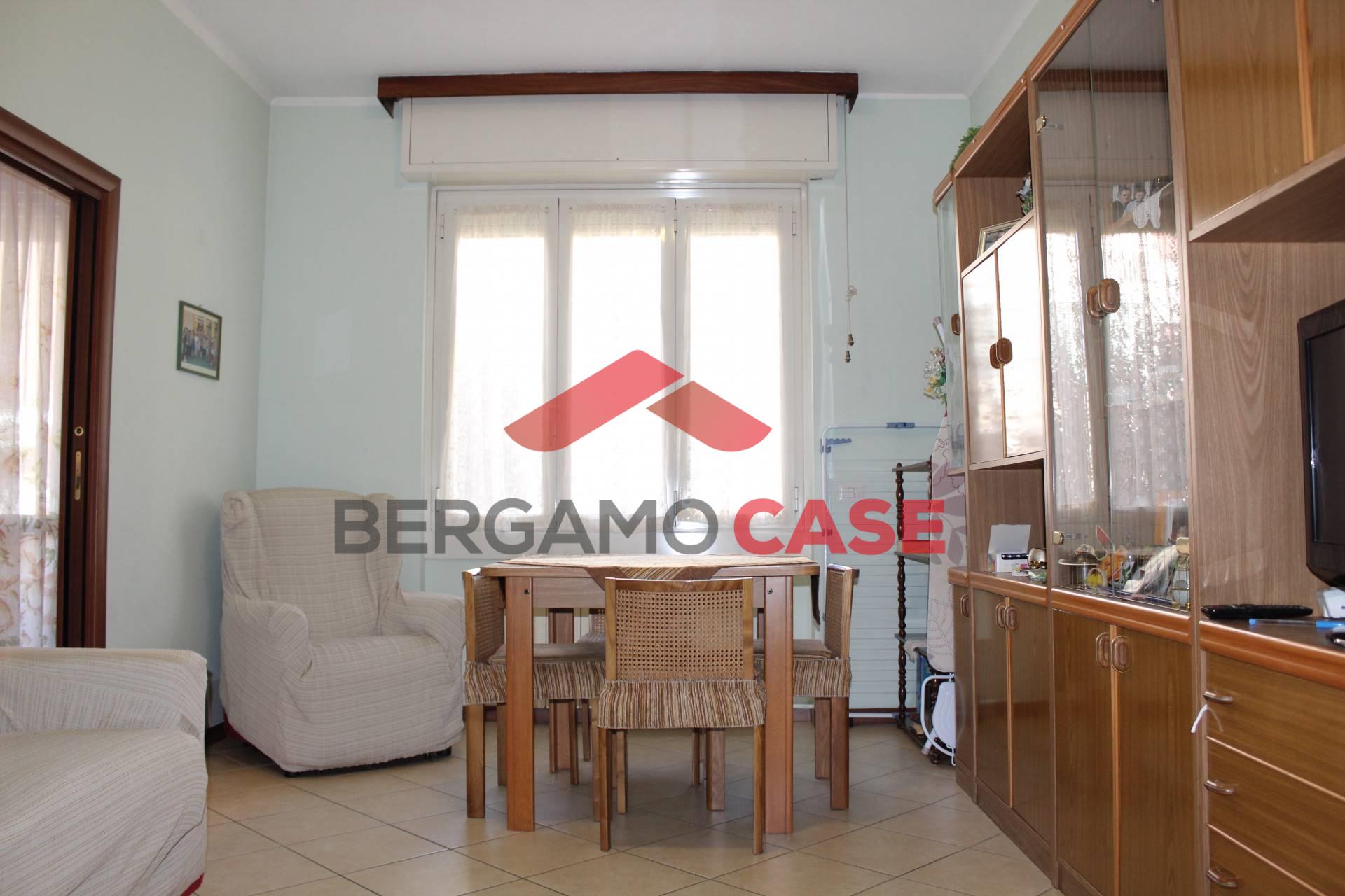 vendita appartamento bergamo borgo palazzo media  85000 euro  3 locali  70 mq