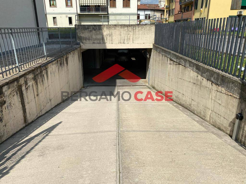 Box / Garage in vendita a Orio al Serio, 1 locali, prezzo € 15.000 | CambioCasa.it