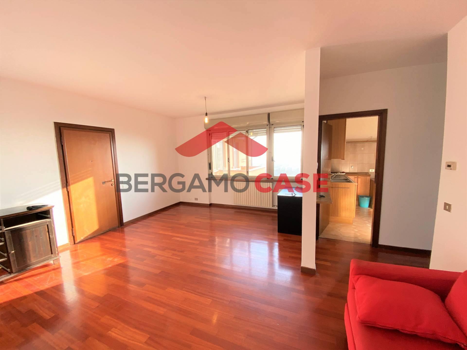 Appartamento in vendita a Seriate, 3 locali, zona Zona: Paderno, prezzo € 89.000 | CambioCasa.it