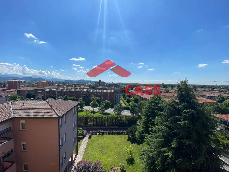 Appartamento in vendita a Seriate, 3 locali, zona Zona: Paderno, prezzo € 99.000 | CambioCasa.it