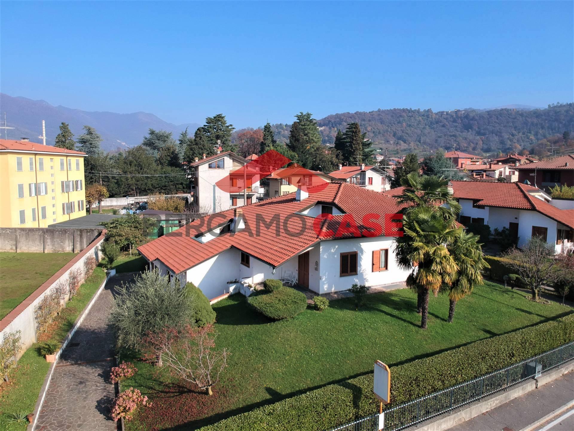 Villa Bifamiliare in Vendita a Villa di Serio