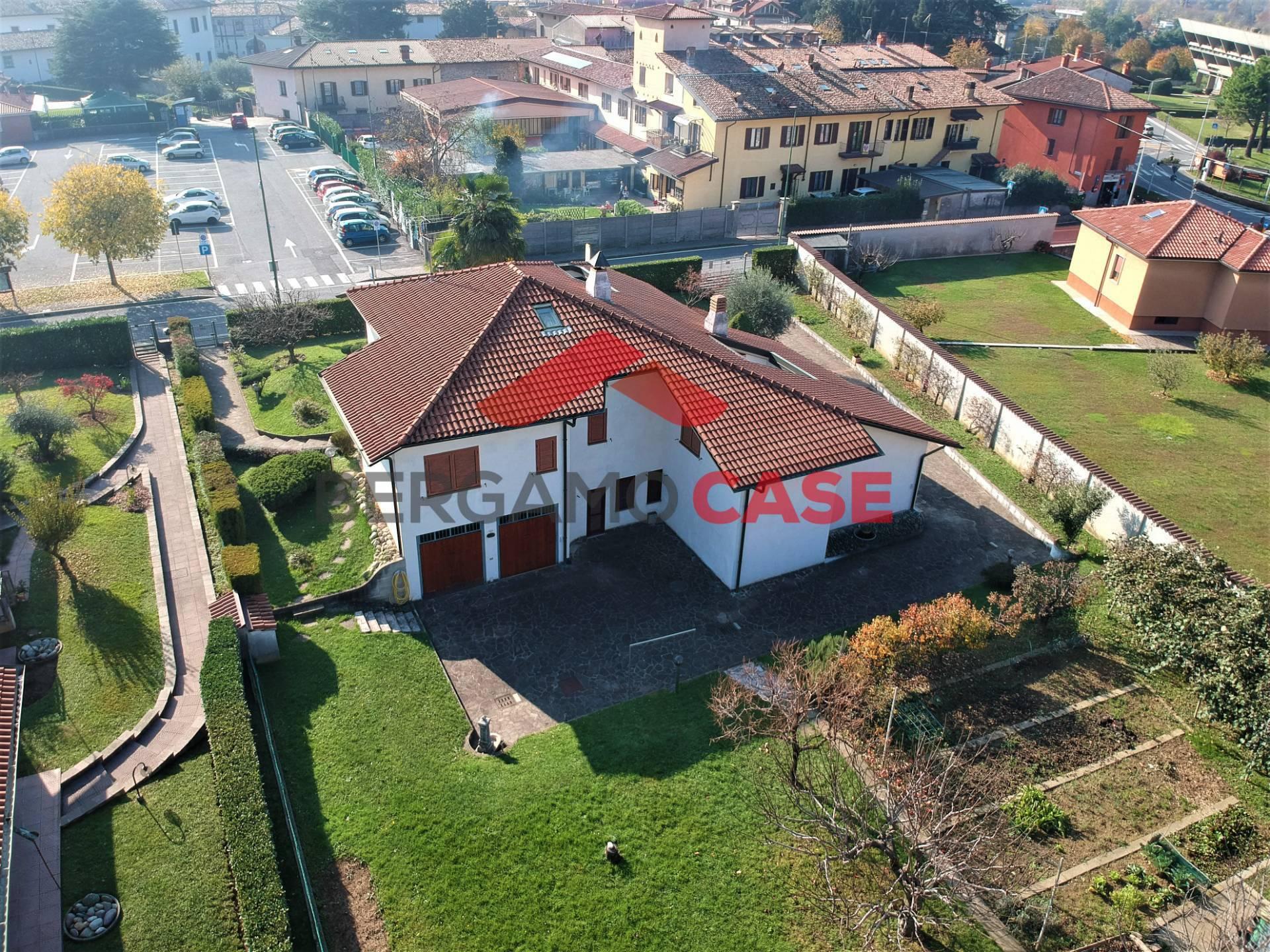 Villa in Vendita a Villa di Serio