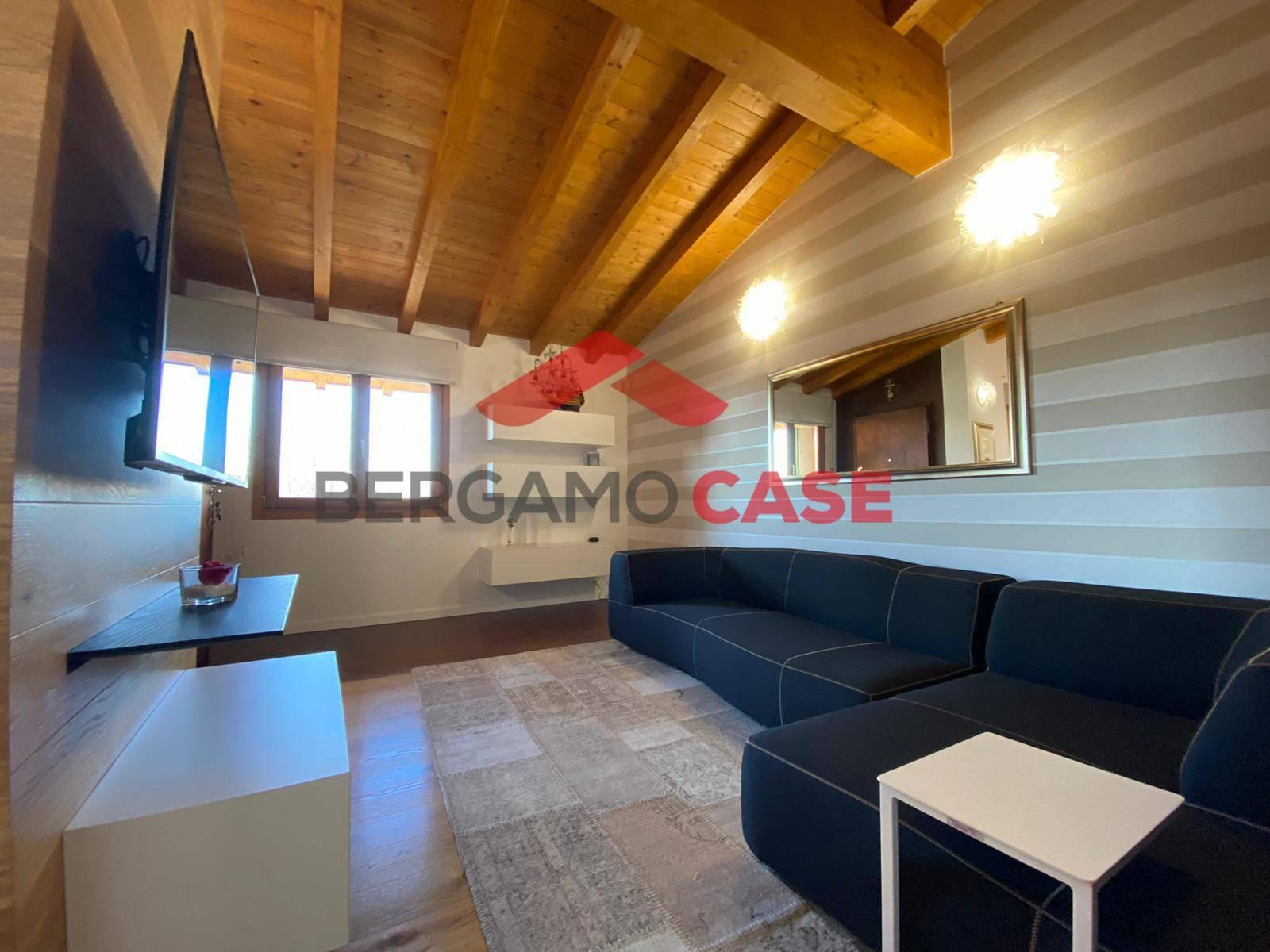 Appartamento in vendita a Stezzano, 4 locali, prezzo € 265.000   CambioCasa.it
