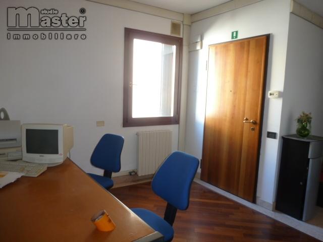 affitto ufficio treviso centro storico  900 euro  90 mq