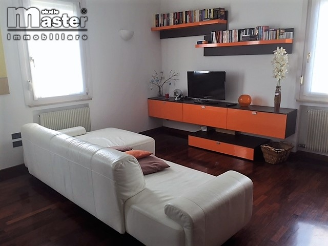 Appartamento in vendita a Ponzano Veneto, 4 locali, zona Località: Paderno(capoluogo, prezzo € 139.000 | CambioCasa.it