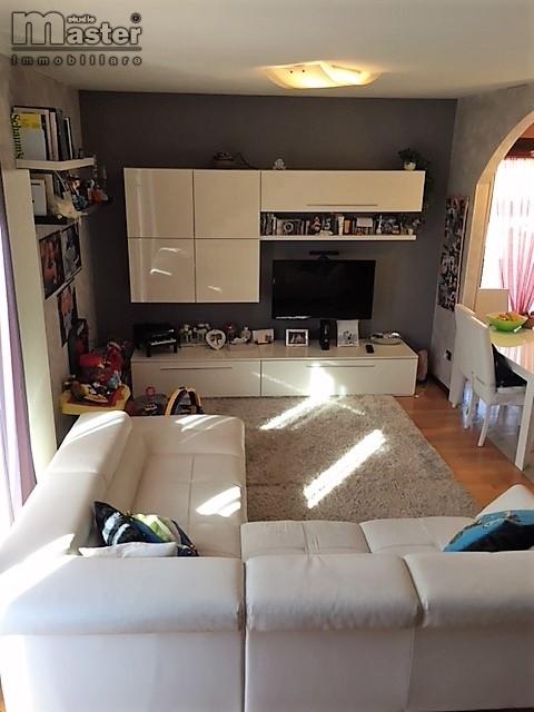 Appartamento in vendita a Ponzano Veneto, 4 locali, zona Località: Paderno(capoluogo, prezzo € 153.000 | CambioCasa.it
