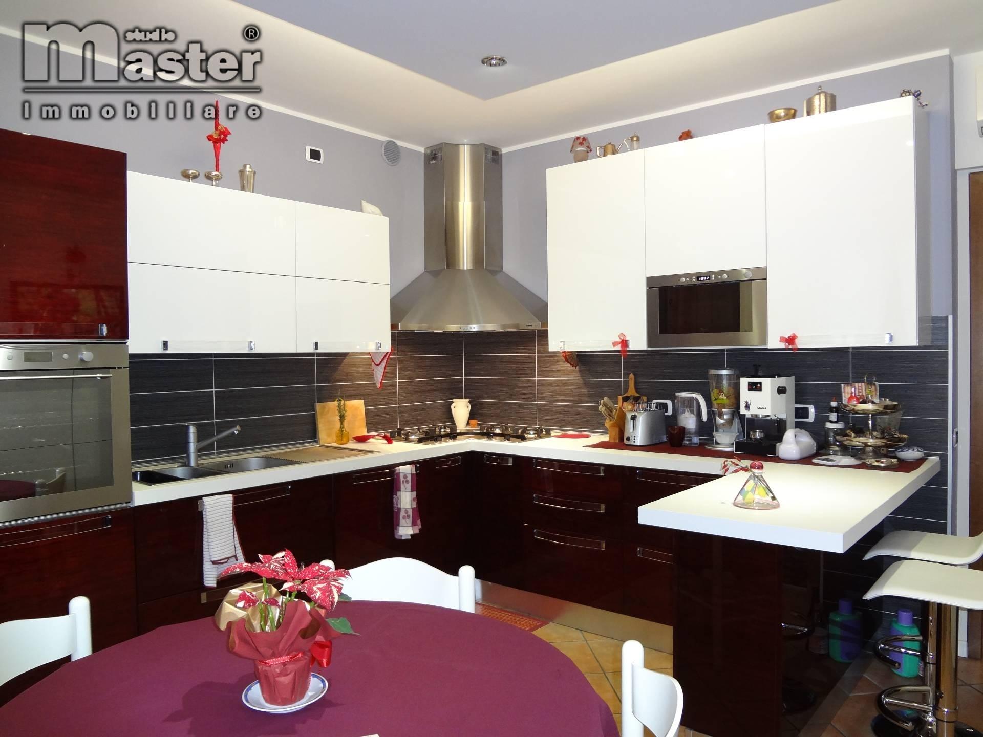 Appartamento in vendita a Ponzano Veneto, 6 locali, zona Zona: Ponzano, prezzo € 390.000 | CambioCasa.it