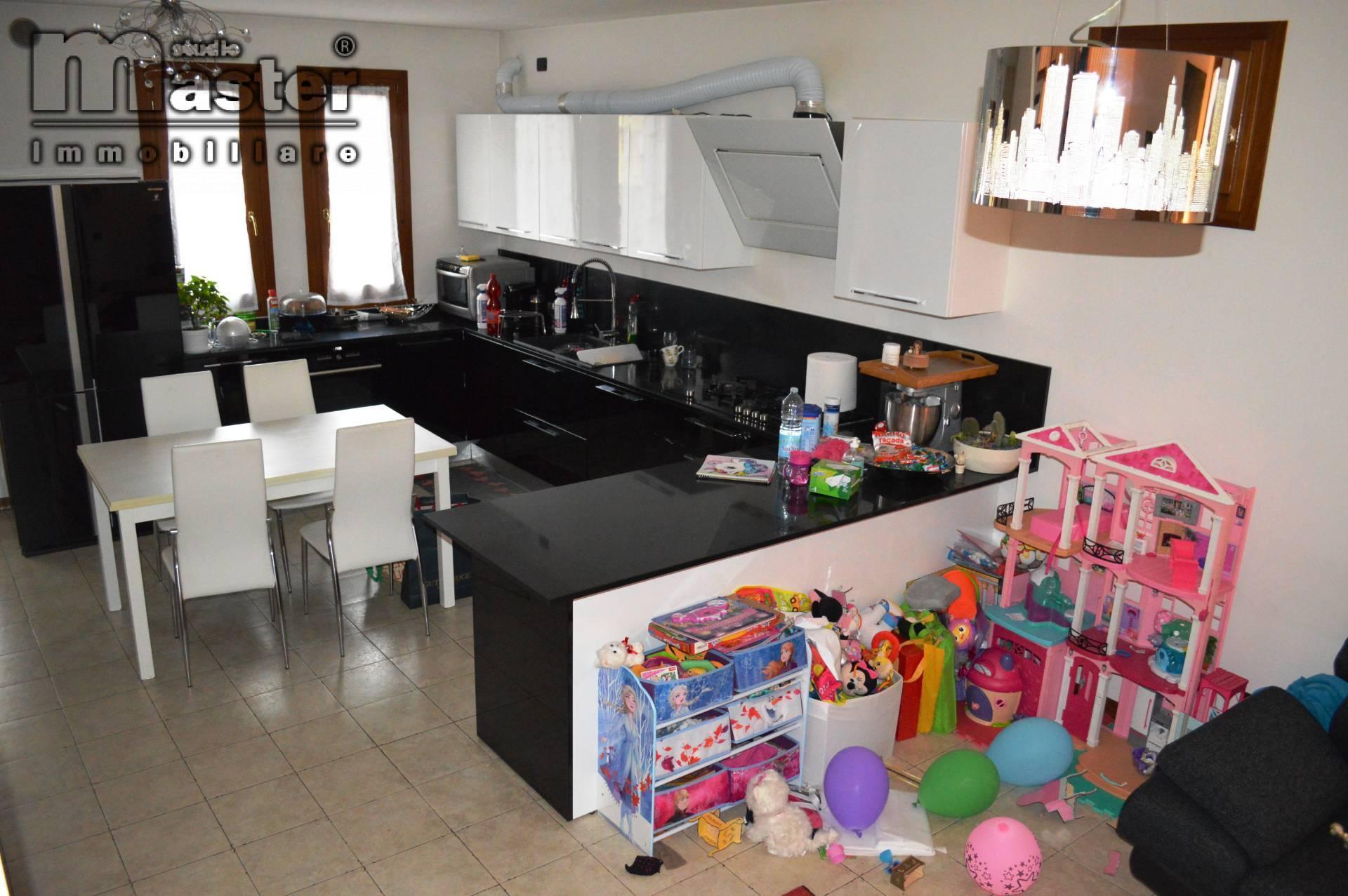 Appartamento in vendita a Paese, 5 locali, zona ioma, prezzo € 138.000 | PortaleAgenzieImmobiliari.it